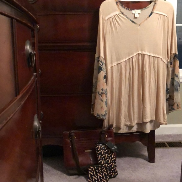 Style & Co Other - Peasant style tunic with a purse & new wallet set